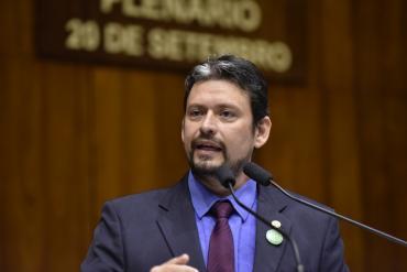 Edu Olivera quer simplificar descontos em passagens intermunicipais para pensionistas e aposentados