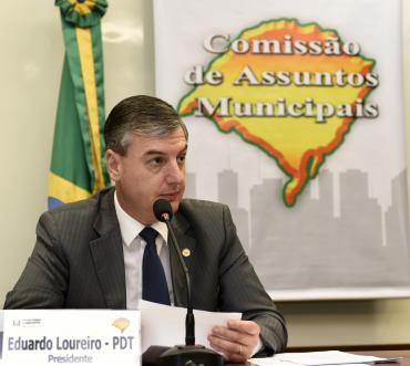 Loureiro diz que suspensão do decreto sobre venda de carnes é uma medida acertada