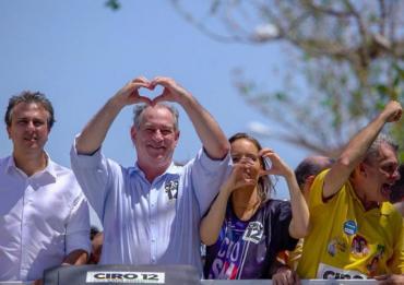 """Ciro agradece apoio do eleitor brasileiro e adianta """"Ele Não"""""""